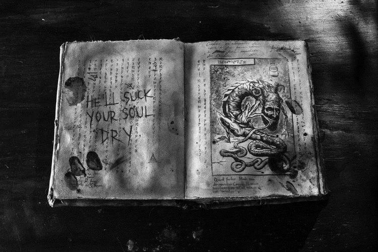 necronomicon-evildead2013