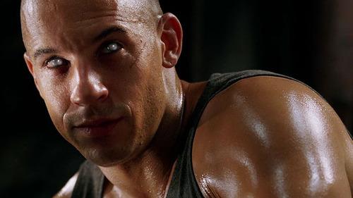 Riddick_eyes
