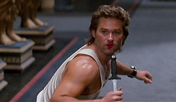 Ecco, per vendere Grosso Guaio a Chinatown ne bastano tre: kung-fu, coltelli, rossetto. Lo comprereste a scatola chiusa, vero?