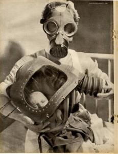 Maschera a guscio antigas per neonati, risposta ai temuti attacchi a base di gas nocivo durante la II Guerra Mondiale