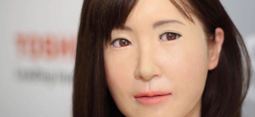 robot-geisha-unveiled-by-toshiba-ces
