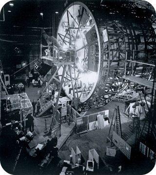 """Il set di 2001, con al centro """"la centrifuga"""" così come la chiama Moorcock."""